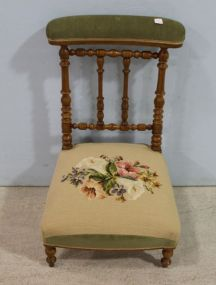 Prie-Dieu Prayer Kneeler with Embroidered Knee Rest