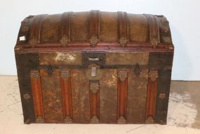 Dome Top Trunk with Interior Tray