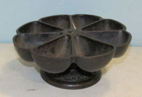 Antique Star Revolving Cast Iron Nail Cup