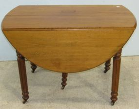 Drop Leaf Table with Five Legs and One Leaf