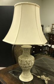 Oriental Style Embossed Resin Vase Lamp