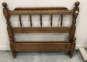 Single Maple Early American Style Twin Bed