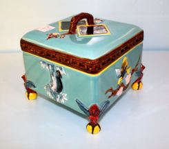 Mottahedeh Porcelain Box