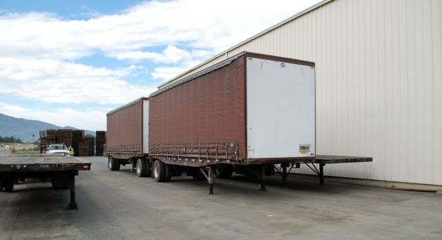 Flatbed Truck Services California Curtain Vans.jpg