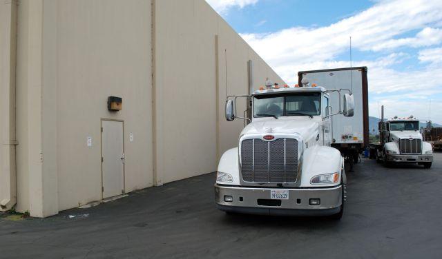 Flatbed Truck Services California Trucks.jpg