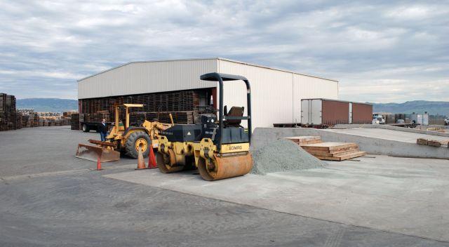 Flatbed Truck Services California Cross Dock.jpg