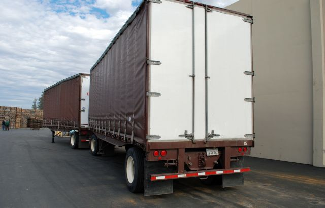 Flatbed Truck Services California Curtainside Trailers.jpg