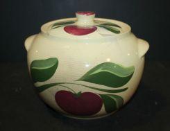 Watt Pottery Cookie Jar/ Bean Pot