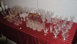 Table Lot of Elegant Glass Stemware